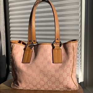 Pre owned authentic Gucci canvas tote style 113019